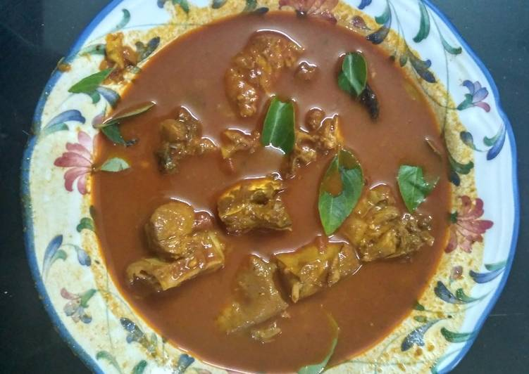 Simple Way to Prepare Favorite Kerala Style Fish Curry (Meen Mulaku Curry)
