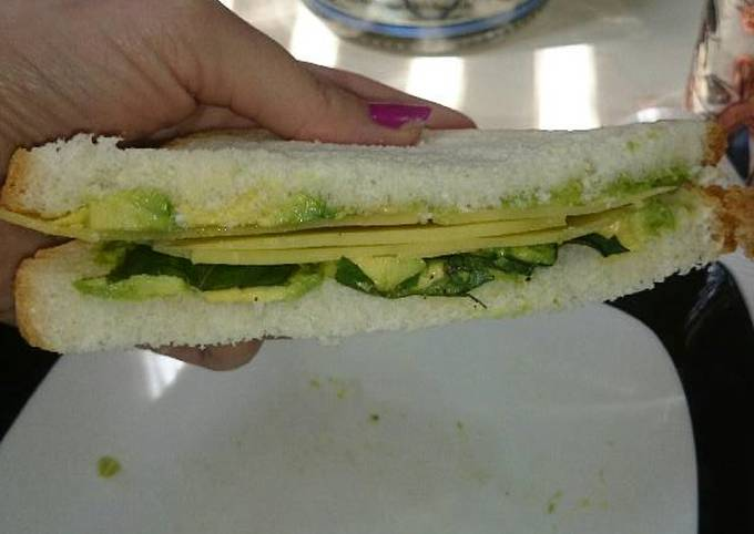 Avocado, Basil and Cheese Sandwich or Snack