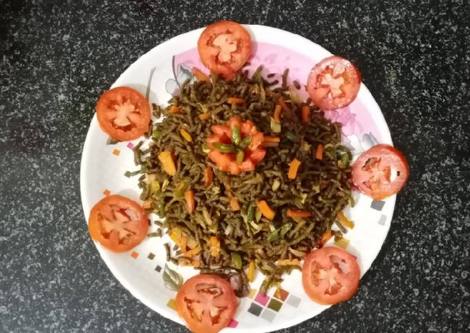 Nutritious palak bajra noodles