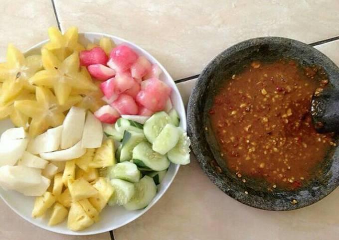 Resep Rujak Buah Oleh Zyvara S Early Cookpad