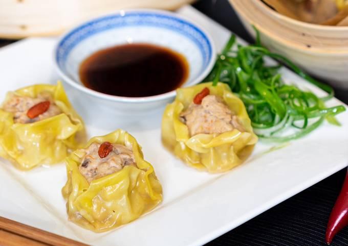 Cantonese Siumai (Steamed spork, Mushroom & Shrimp Dim Sum)