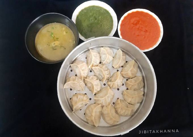 Chicken Scallion Momo with Clear Chicken Soup and Chutney