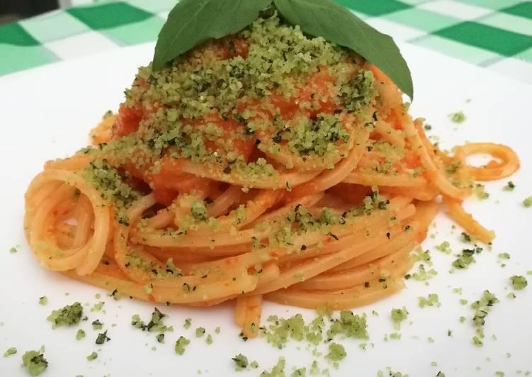Spaghetti con crema di peperoni e parmigiano aromatizzato