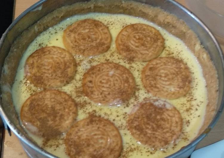 Tarta de natillas, plátano y dulce de leche