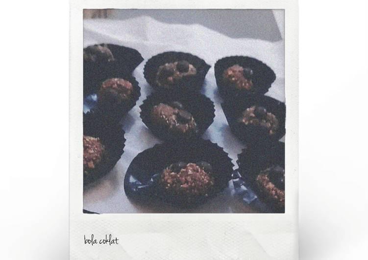 Bola coklat choco chip foto resep utama