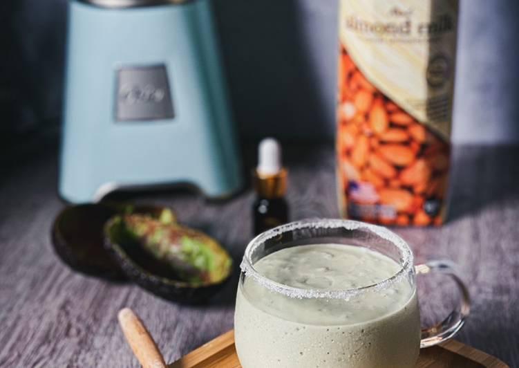 Avocado Almond Milkshake KETO - resepipouler.com