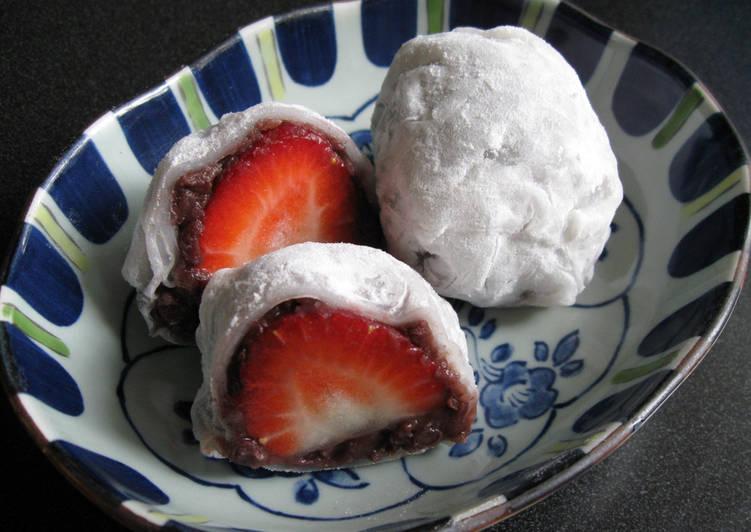 Super Easy Rice Paper Strawberry Daifuku Mochi
