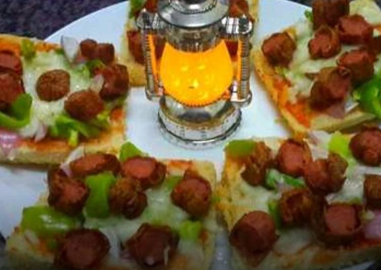 Chicken Sausage Bread Pizzas