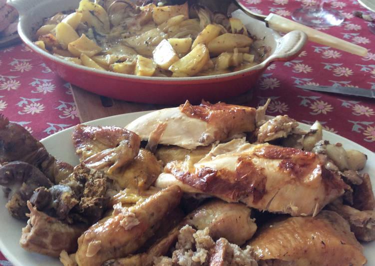 Poulet rôti et pommes de terres aux oignons