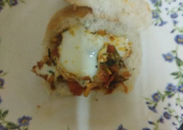 Peri Tawa egg pav