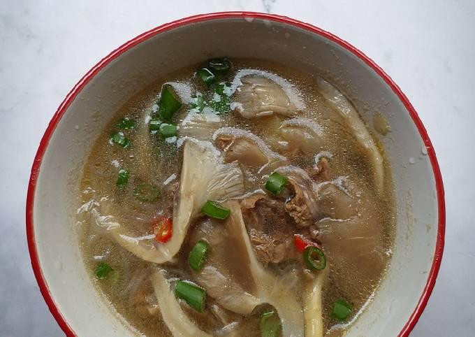 Sup daging cendawan