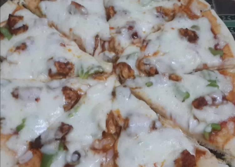 Thin Crust Chicken Tikka Pizzas