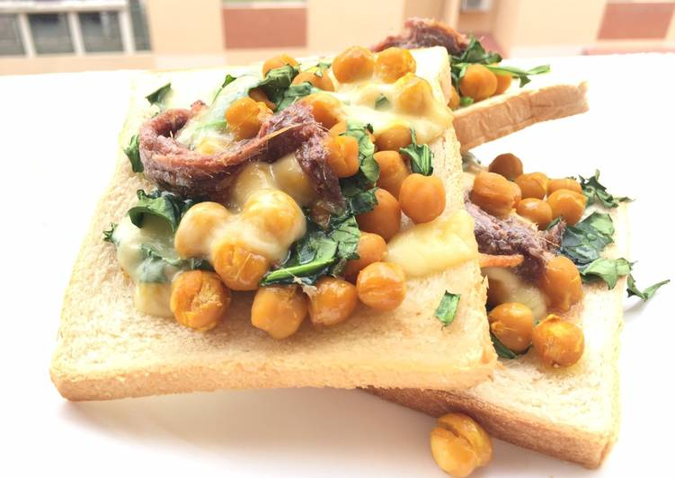Chickpea And Spinach With Mozzarella Cheese And Anchovies