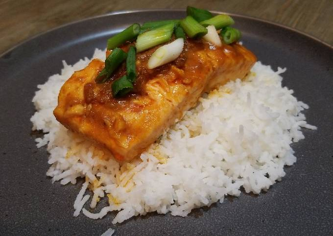 Recipe: Appetizing Red Curry Salmon