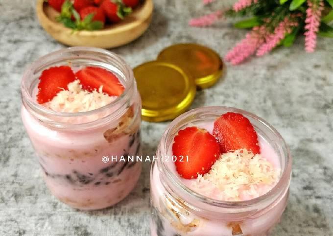 Strawberry Dessert Box No Bake