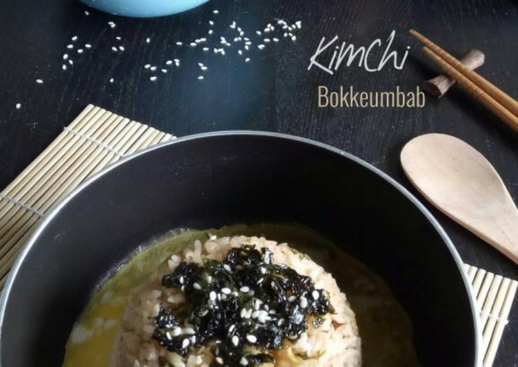 Kimchi Bokkeumbab (Nasi Goreng Kimchi)