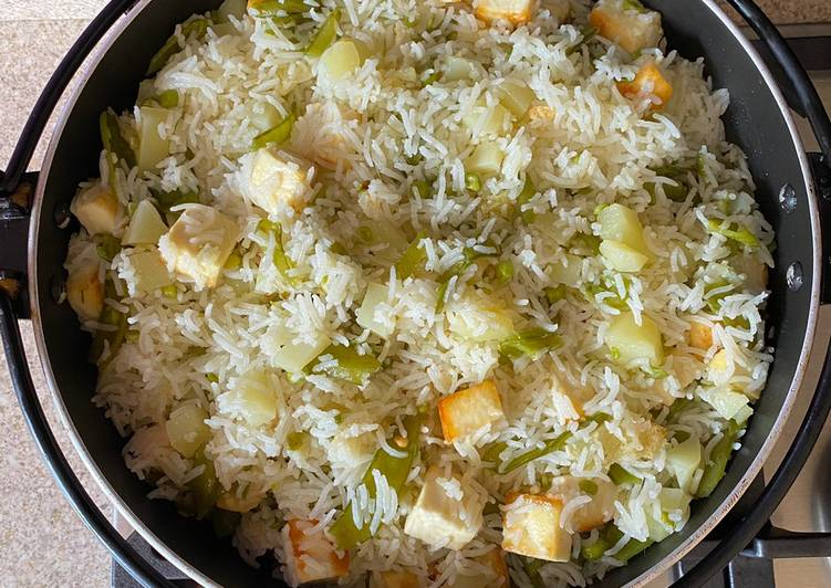 Steps to Make Ultimate Paneer potato rice