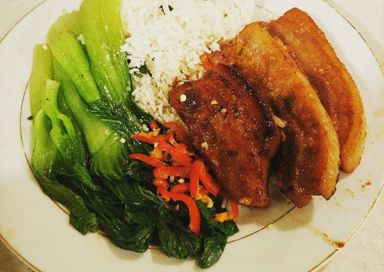 Braised Chinese Pork Belly w Pak choi served with boiled rice