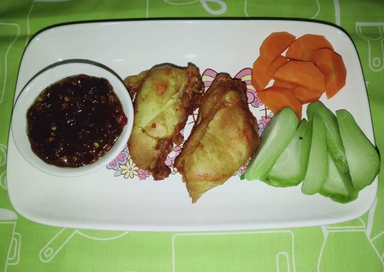 145. Ayam Goreng, Lalapan & Sambal Terasi by Uliz Kirei