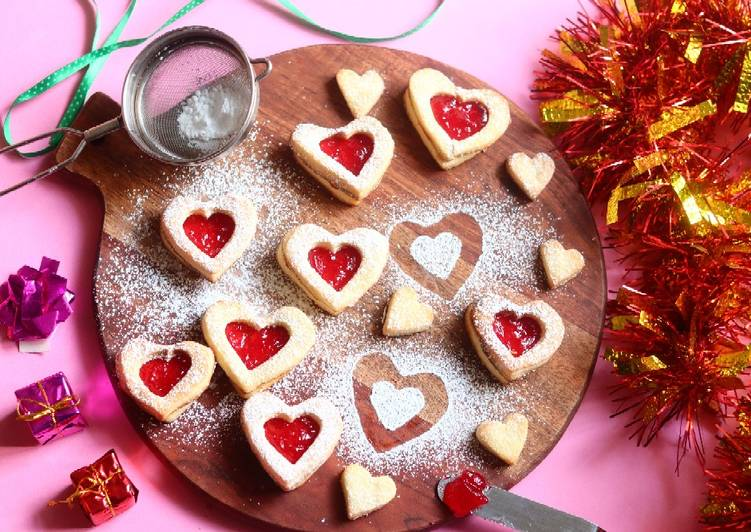 Linzer butter cookies