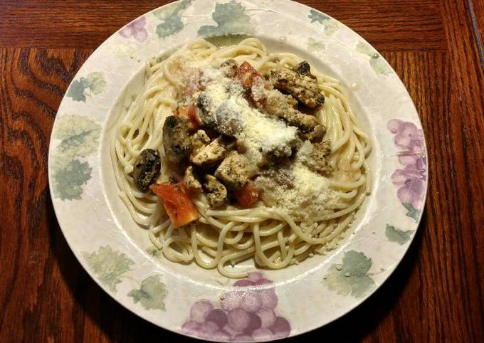 Chicken (or sausage) and Pasta With White Wine Cream Sauce