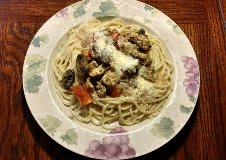 How to Cook Yummy Chicken (or sausage) and Pasta With White Wine Cream Sauce