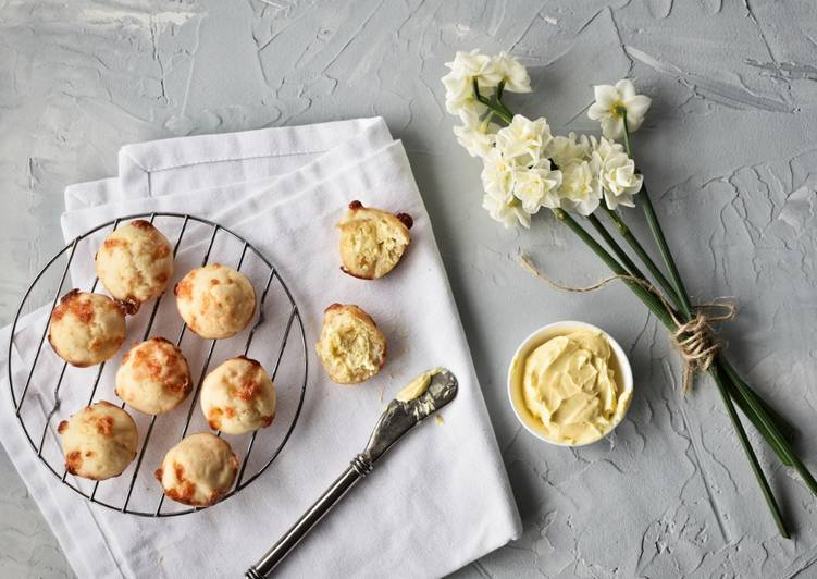 Mini Cheese Scones
