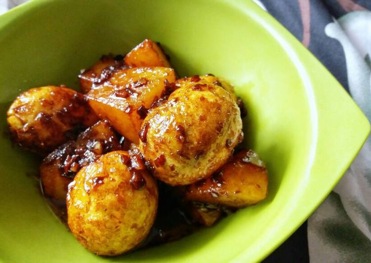 Telur Kentang Kecap / Potato and Egg in Sweet Soy Sauce