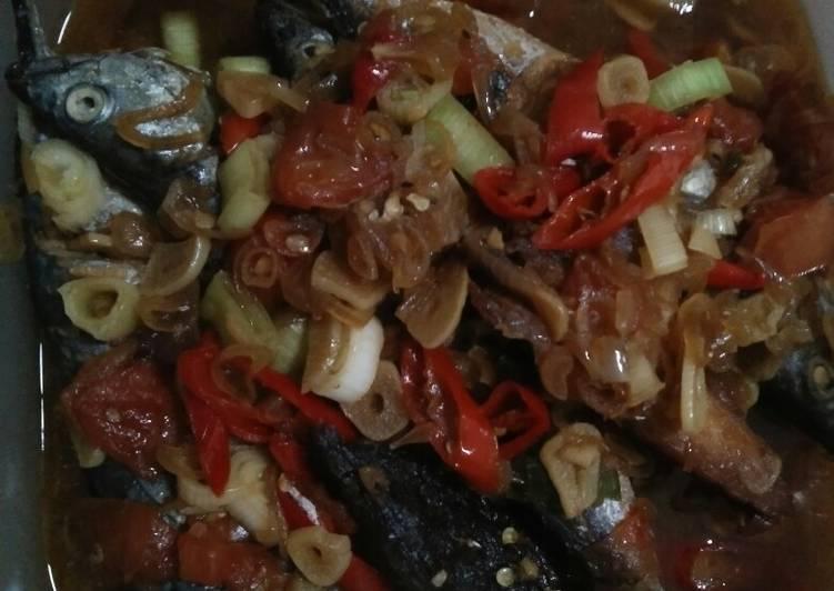 Resep Ikan Putihan Kecap Oleh Ibuke Syifa Cookpad