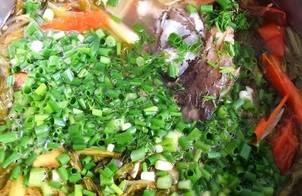Cá chép nấu dưa chua