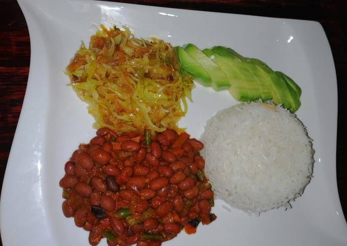 #Week4recipechallenge. Beans curry,fried cabbages n rice