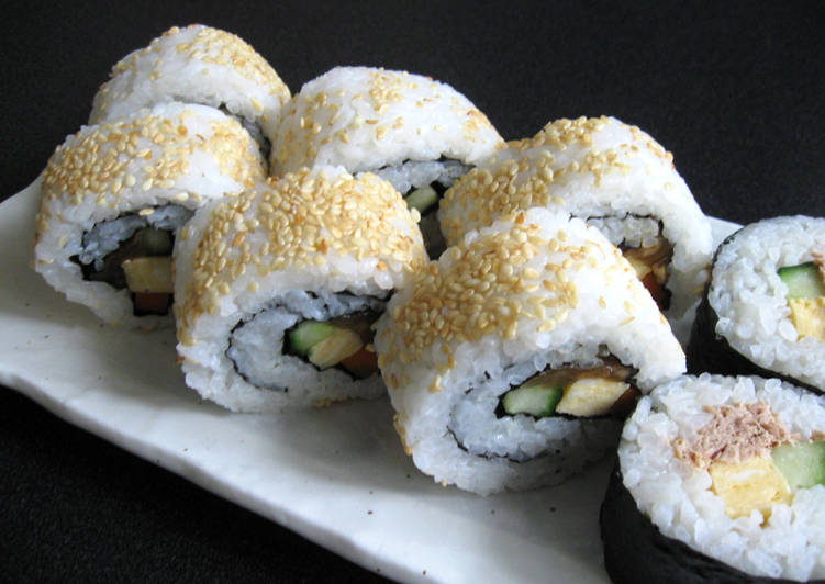 Grandmother's Dinner Ideas Cooking Ura Maki-zushi (Inside-out Sushi Rolls)