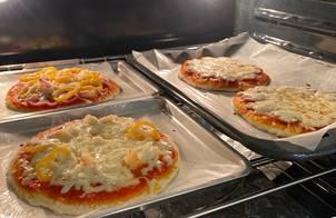 Pizza Tôm / Pizza Xúc Xích