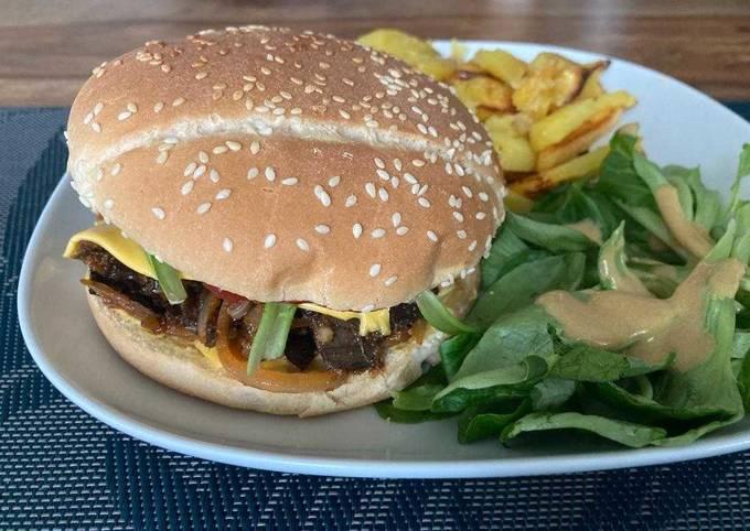 Burger végétalien façon «Pulled Pork» aux écorces de bananes