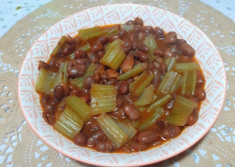 Soupe d'haricots rouges au céleri 😋