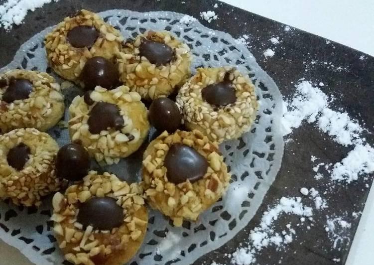 Peanut butter choco thumbprint cookies