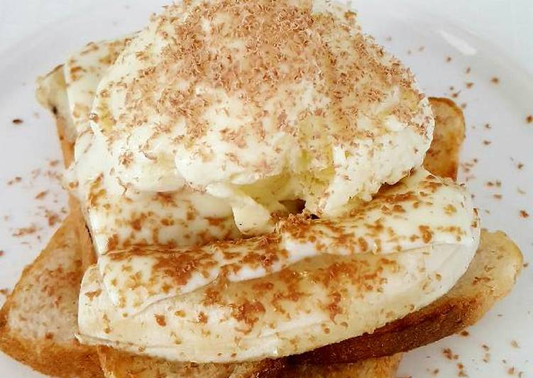 Recipe of Homemade Banana Sandwich topped with Custard ice cream