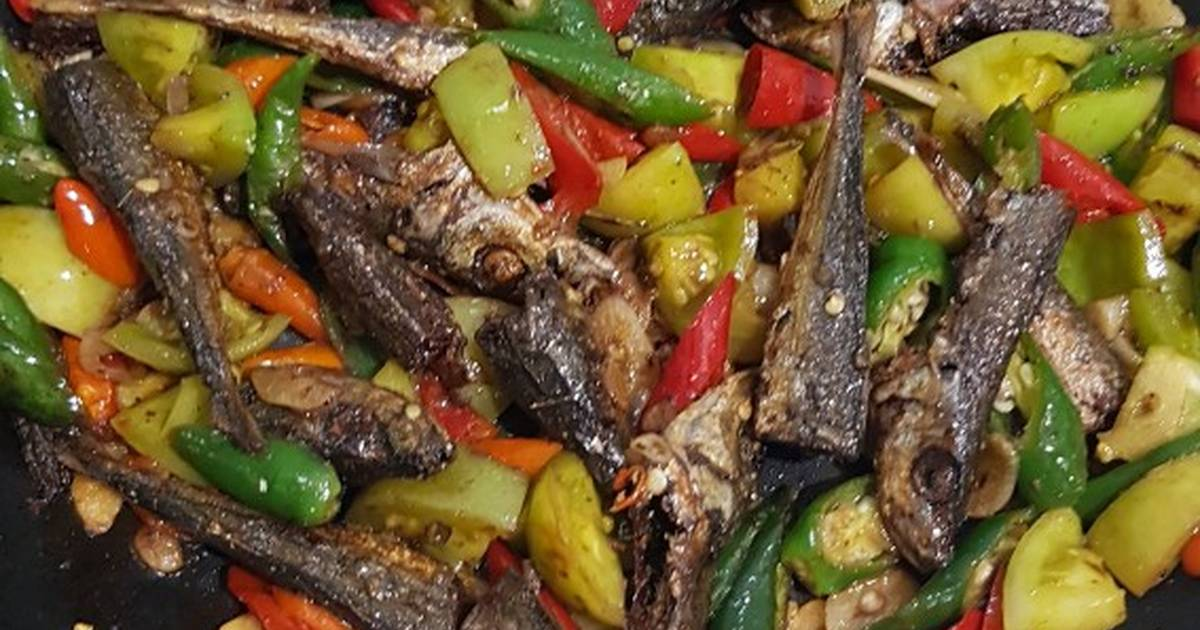 Resep Eseng Ikan Klotok Pete Tomat Ijo Pedas Oleh Yuyun Eka Saputri Cookpad