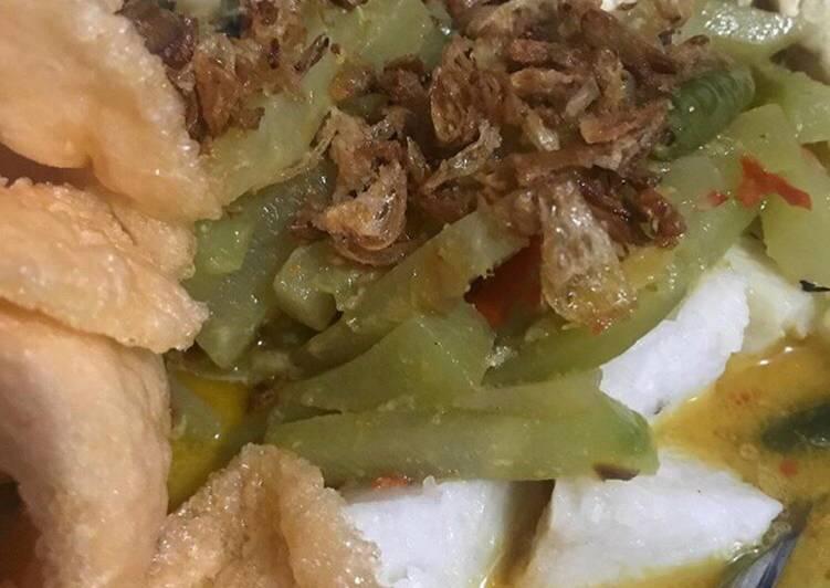 Ketupat Sayur Betawi