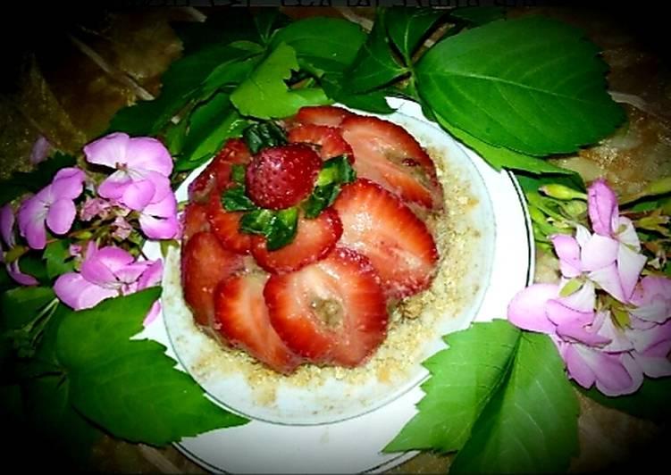 Un petit fraisier a la mousse au chocolat