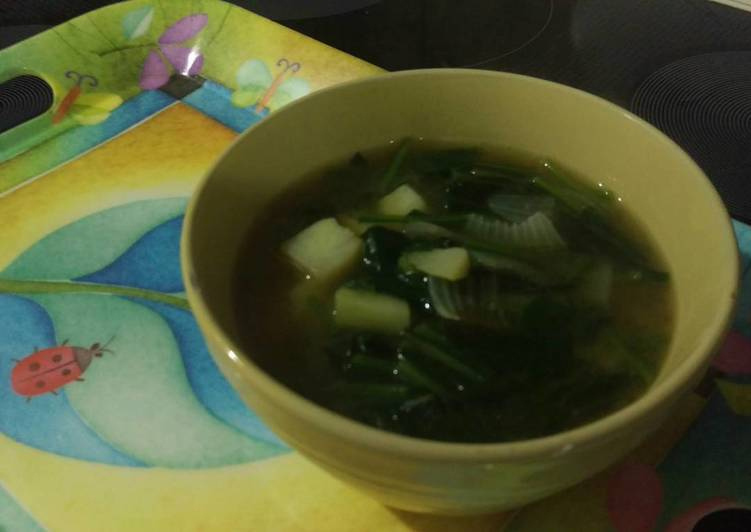 Easiest Way to Prepare Yummy Miso Soup with Spinach & Potato