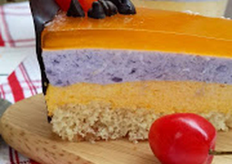 Mango-blackcurrant mousse cake with apricot jelly