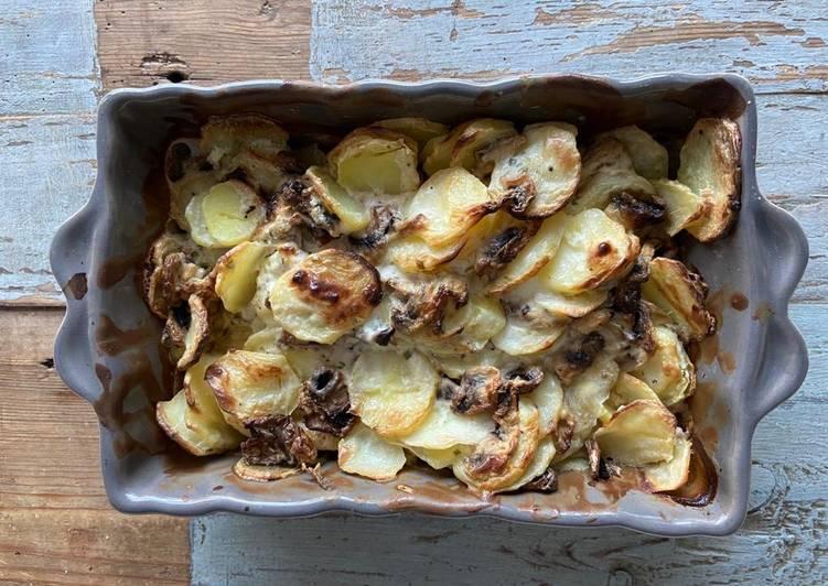 recette Gratin pommes de terre / champignons Le plus simple