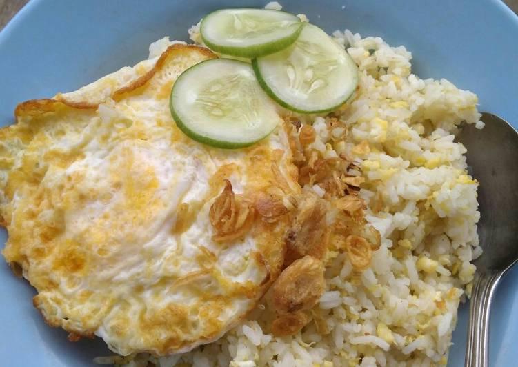Nasi goreng putih super simpel
