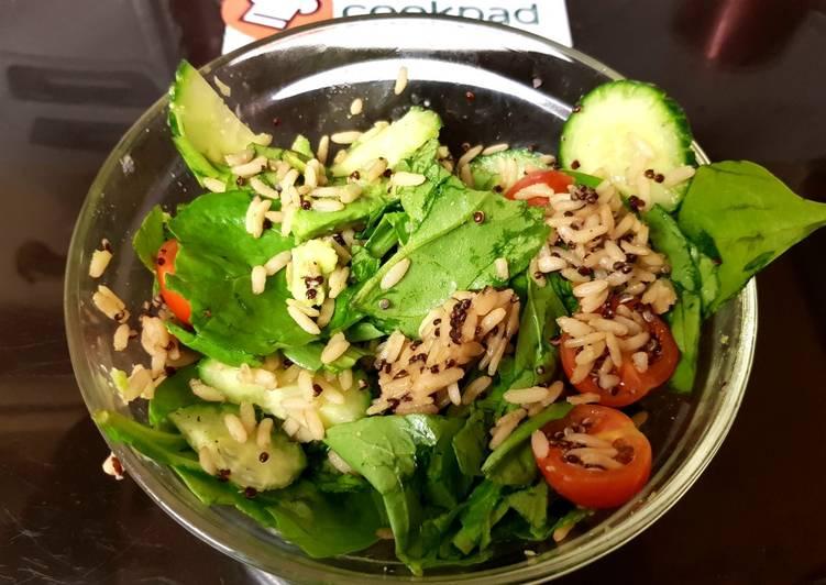 My Spinach, Cucumber Salad & wholegrain rice + Quinoa ?