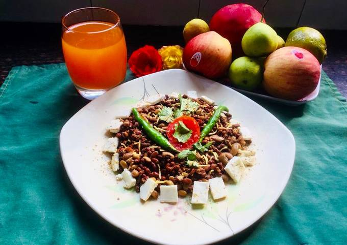Mixed Lentils Sprouts,fresh homemade Orange juice & Variety of Fruits