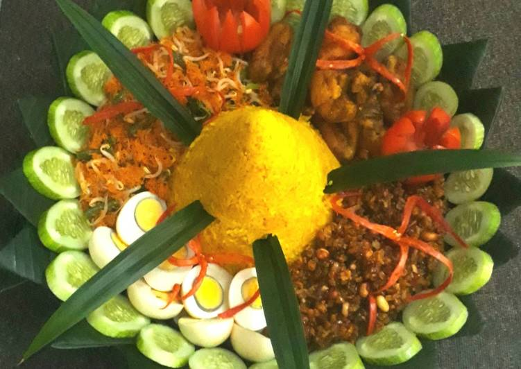 Nasi kuning (nasi tumpeng)