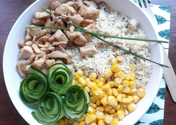 ☆Poke Bowl aux Céréales et Poulet Caramélisé☆