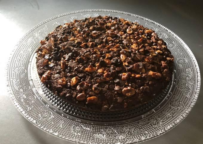 Gâteau chocolaté aux noix et à la compote de pommes