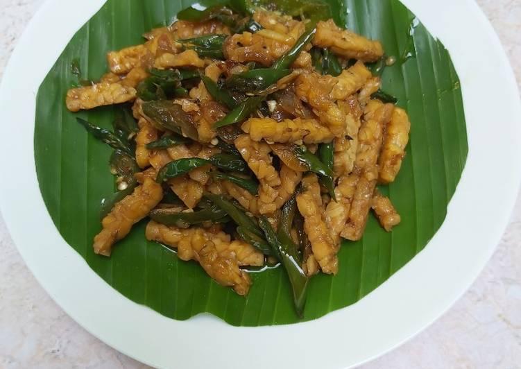 Oseng tempe lombok ijo (pelengkap nasi kucing)
